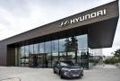"""Hyundai jako první zavádí službu """"Zavolejte si svého prodejce""""."""