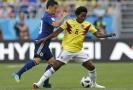Kolumbijský záložník Sanchez dostal hned v úvodu červenou kartu.