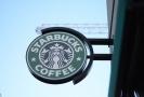 Logo firmy Starbucks.