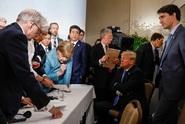 Tady máš, Angelo! Naštvaný Trump hodil po kancléřce bonbony
