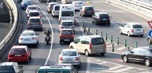 Začátek prázdnin již tradičně přináší dopravní problémy (ilustrační foto).