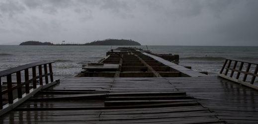 Tropická bouře v Portoriku.