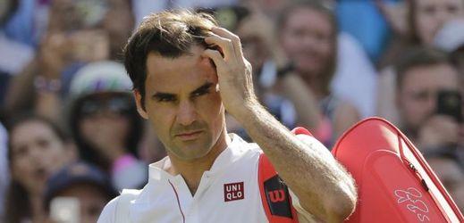 Smutný Roger Federer po prohře.