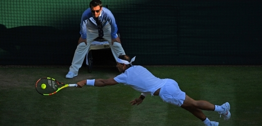 Tenista Rafael Nadal v zápase s Juanem Martínem Del Potrem.