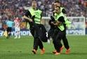 Finále MS ve fotbale v Rusku narušila akce Pussy Riot.