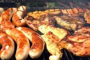 Znáte základní pravidla grilování? Nepodceňte přípravu masa a grilu