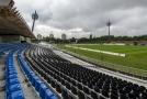 """Fotbalový stadion v Hradci Králové i s populárními """"lízátky""""."""