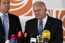 Petr Krčál (vpravo) nabízí svoji rezignaci.