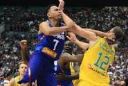 VIDEO: Basketbalová trma-vrma! Pak neměl kdo hrát
