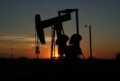 Írán pohrozil zablokováním ropného vývozu.
