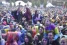 Návštěvníci festivalu Colours of Ostrava.