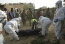 Oběti po útoku Boko Haram v Nigérii.