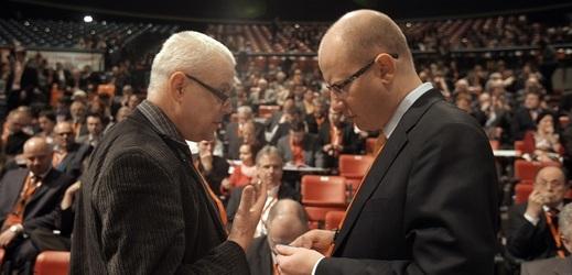 Zleva Vladimír Špidla a Bohuslav Sobotka na archivním snímku.