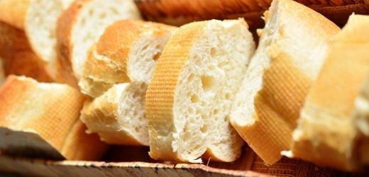 Nezdravé je například bílé pečivo.