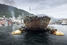 Amundsenova potopená polární loď Maud se vrátila do Norska.