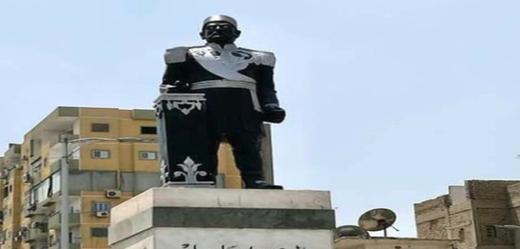 Socha někdejšího vicekrále Ismáíla Paši v egyptském městě Ismáílíja.