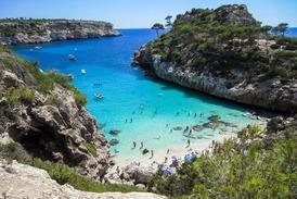 Mezi TOP 3 destinace patří Turecká riviéra, Mallorca (na snímku) a Burgas.