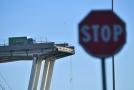 Připisovat zřícení mostu bouřce je prý čiré šílenství.