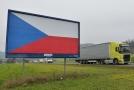 Billboard u města Kuřim na silnici E 461.