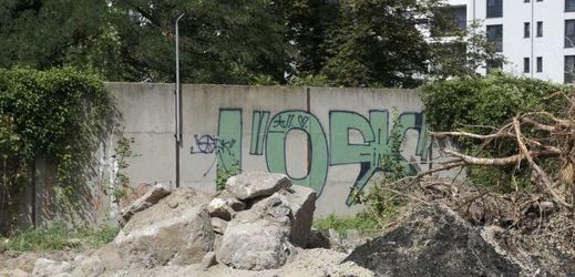 Nově objevený úsek berlínské zdi.