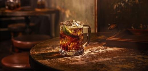 Rum s colou.