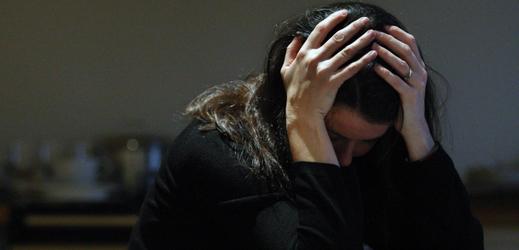 Lidé s psychickými problémy často neuváženě hledají pomoc na sociálních sítích (ilustrační foto).