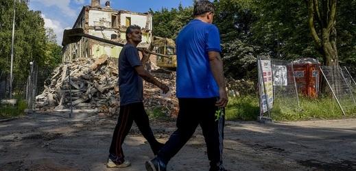 Romové v ČR žijí často v sociálním vyloučení.
