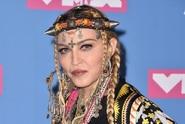Madonna vzdala hold zesnulé Franklin. Od fanoušků to schytala