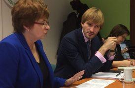 Předsedkyni zdravotnických odborů Dagmar Žitníkové se nepodařilo přesvědčit ministra zdravotnictví Adama Vojtěcha o rychlejším navyšování platů.