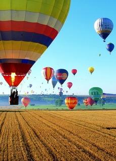 Nebe nad Telčí oživí balonová fiesta (ilustrační foto).