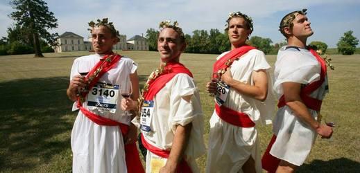 Milovníci vína a běžci se chystají na jedinečný maraton ve Francii.