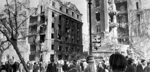 Snímek z maďarského povstání z roku 1956.