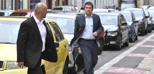 Předseda ČSSD Jan Hamáček přichází na jednání předsednictva strany.