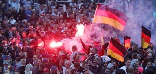 Demonstrace pravicových radikálů.