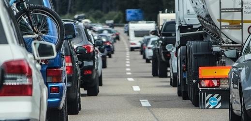 Dopravní zácpa (ilustrační foto).
