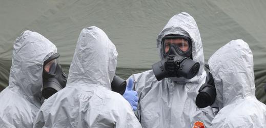 Vyšetřovatelé na místě činu v Salisbury.