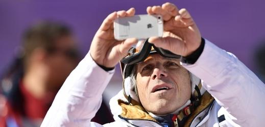 Janek Ledecký má už svazu lyžařů plné zuby.