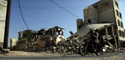 Následky bojů v Jemenu.