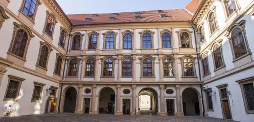 Sídlo Senátu ve Valdštejnském paláci.