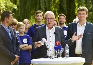 Jiří Drahoš při zahájení své kampaně do Senátu ČR.