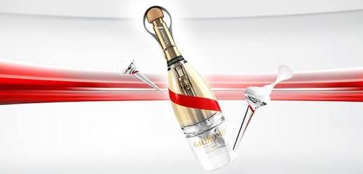 Lahev, ze které pít šampaňské i ve vesmíru.