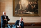 Americký viceprezident Mike Pence (vlevo) a prezident USA Donald Trump.