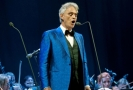 Nevidomý italský tenorista Andrea Bocelli patří k nejslavnějším italským zpěvákům.