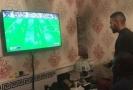 Opozdilec Kante povečeřel s fanoušky Arsenalu, zahrál si i FIFU.