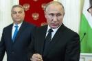 Maďarský premiér Viktor Orbán (v pozadí) navštívil v Moskvě ruského prezidenta Vladimira Putina.
