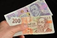 Senioři dostanou více peněz, vláda schválila nárůst důchodů