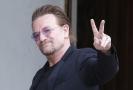 Frontman známé irské skupiny U2 Bono.