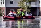 Evakuace obyvatel z oblasti zasažené hurikánem.
