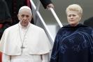 Papež František a litevská prezidentka Dalia Grybauskaiteová.