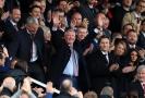 Alex Ferguson se poprvé od květnové operace mozku vrátil na stadion Old Trafford.